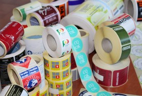 Rótulos e etiquetas pré-impressas